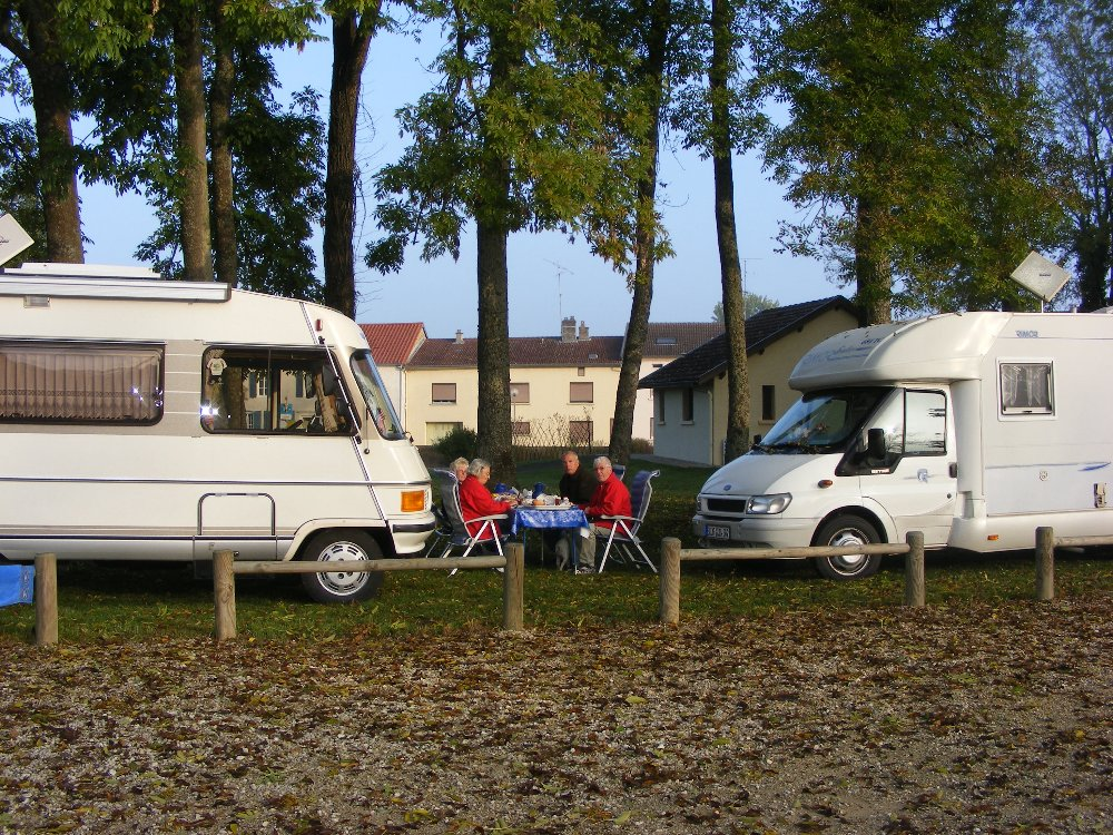 Aire camping-car à Stenay (55700) - Photo 3